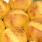 パンプキンパン:ハルユタカとビール酵母、少量の塩と砂糖、そして自前の畑で作ったかぼちゃを使用して作ります。もちもち感のある食感です。