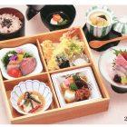 【華膳・桜】 28×28cm ¥5,000小鉢/造り/焚き合わせ/洋鉢/天麩羅/赤飯/吸い物/茶碗蒸し