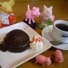 【デザート♥ 】 フォンダンショコラ写真はリピーター続出のあたたかいチョコレートケーキ。
