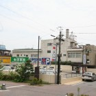 松尾町駐車場 松尾町にあり54台駐車可能。和光楽器、スタジオご利用の方には、来店時に駐車場無料券を差し上げます。時間を気にすることなく、ごゆっくりとお買い物を楽しめます。