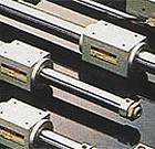 産業機器部門 輸入石油は、工作機械から各種特殊ガス、プロパン、そして工業用潤滑油、オイル、防錆油まで。精密、電子、機会、建設、鉄工、食品などあらゆる工場、事業所で使われるすべての産業関連商品を取り扱っています。