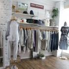 Ungrid アングリッドブランドコンセプト「A New Class Casua」。女性として生まれてきたことを最大限に楽しみ、カジュアルをベースに自由なファッションをして頂きたいという想いを込めて着心地の良さを追求し、TPOに合わせた心地良い日常を過ごせる服を提案していきます。