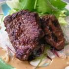 鹿肉のステーキ ¥1,500 鹿肉はヘルシーでクセも少ないです。新鮮なお肉を厳選して使用しています。
