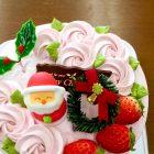 木いちごのクリスマスケーキも人気です。デコレーションをかわいくしてみました。