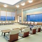 広くゆったりとした130畳の宴会場から、少人数でも楽しめる懐石処まで、大小さまざまな宴会場をご用意しております。