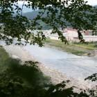眼下には、天竜川の川の流れが広がり、ちょっとした絶景スポットです。